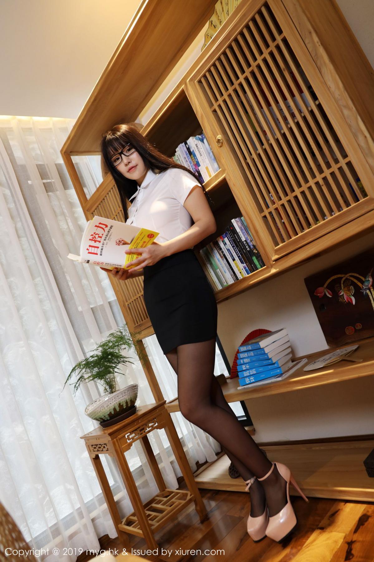 [MyGirl] Vol.368 Zhu Ke Er 72P, Black Silk, mygirl, Tall, Uniform, Zhu Ke Er