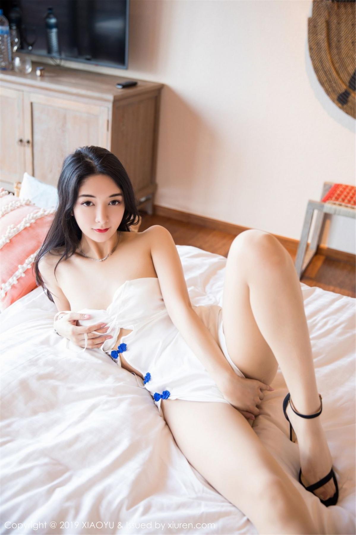 [XiaoYu] Vol.088 Di Yi 36P, Big Booty, Black Silk, Cheongsam, Di Yi, Tall, XiaoYu