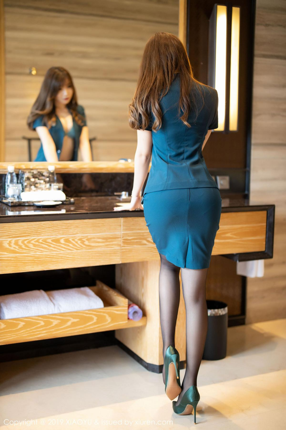 [XiaoYu] Vol.215 Zhi Zhi Booty 19P, Black Silk, Chen Zhi, Tall, XiaoYu