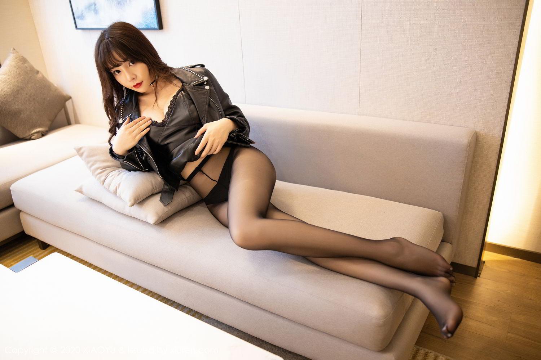 [XiaoYu] Vol.301 Zhi Zhi Booty 3P, Big Booty, Black Silk, Chen Zhi, XiaoYu