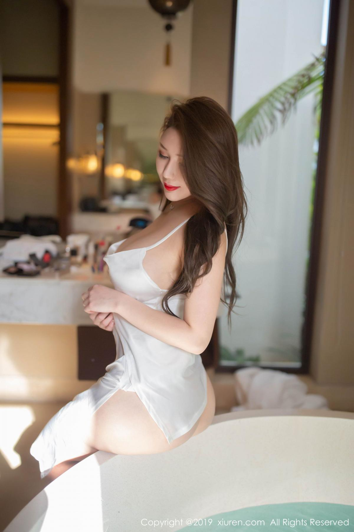 [XiuRen] Vol.1510 Egg Younisi 10P, Bathroom, Big Booty, Egg Younisi, Wet, Xiuren