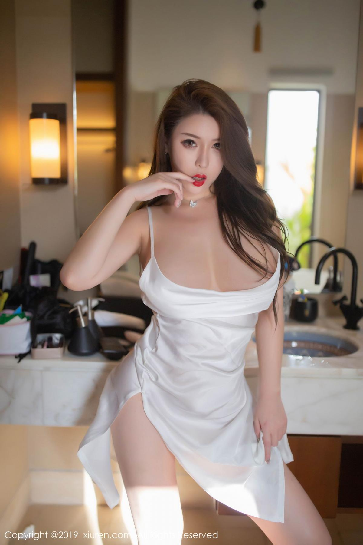 [XiuRen] Vol.1510 Egg Younisi 26P, Bathroom, Big Booty, Egg Younisi, Wet, Xiuren