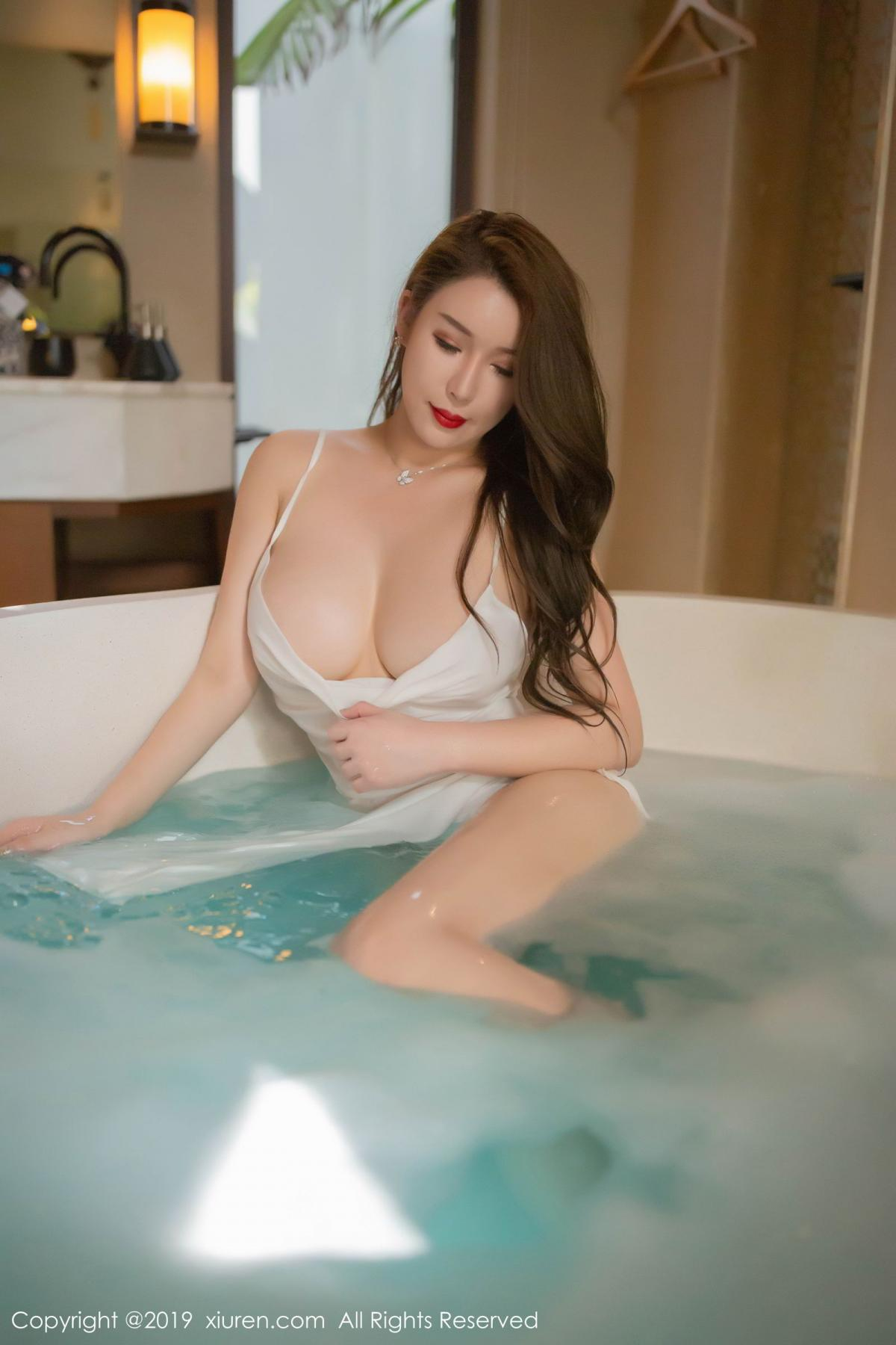 [XiuRen] Vol.1510 Egg Younisi 41P, Bathroom, Big Booty, Egg Younisi, Wet, Xiuren