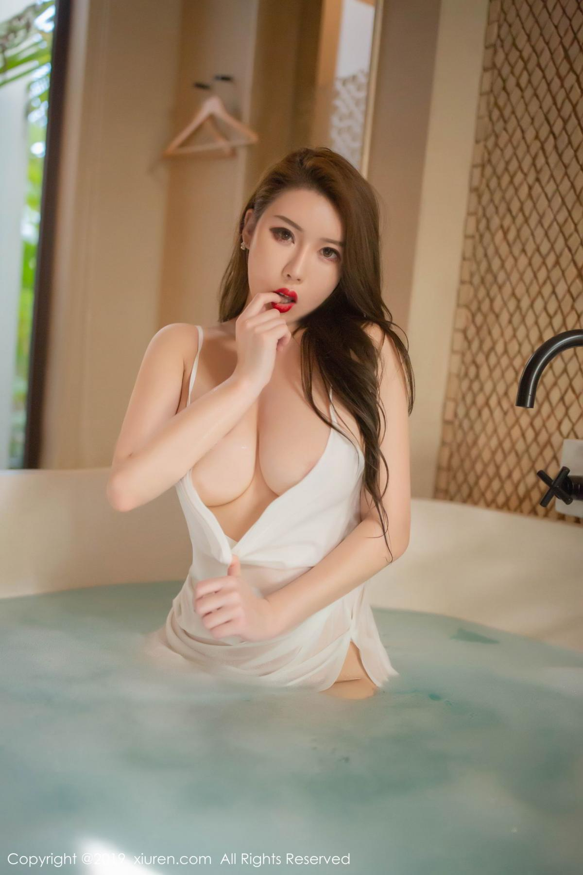 [XiuRen] Vol.1510 Egg Younisi 42P, Bathroom, Big Booty, Egg Younisi, Wet, Xiuren