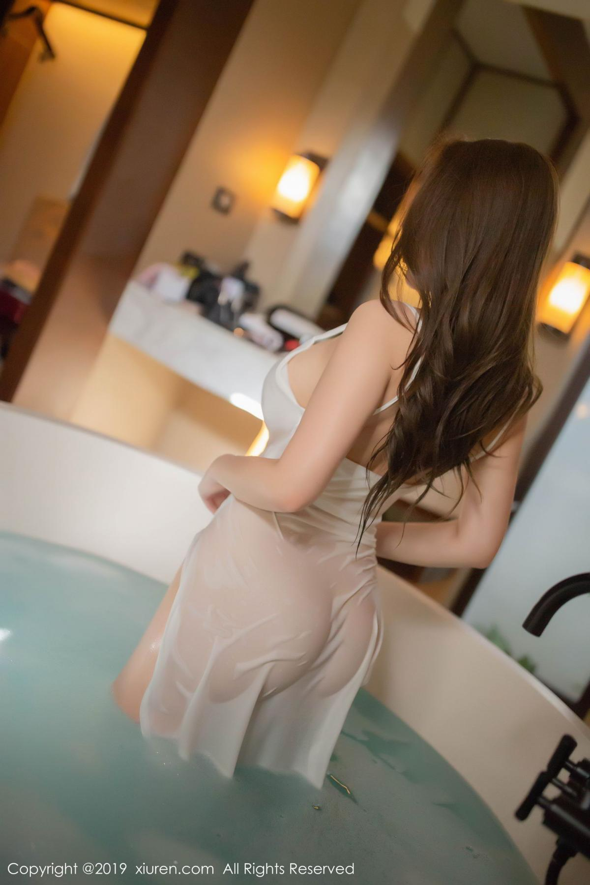 [XiuRen] Vol.1510 Egg Younisi 4P, Bathroom, Big Booty, Egg Younisi, Wet, Xiuren