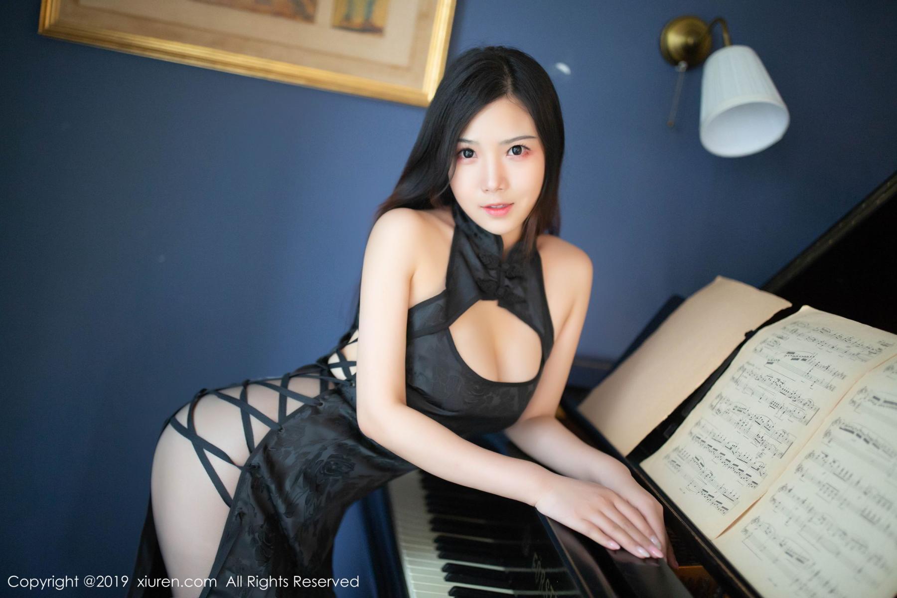 [XiuRen] Vol.1518 Xu Wei Wei 15P, Black Silk, Cheongsam, Pure, Xiuren, Xu Wei Wei