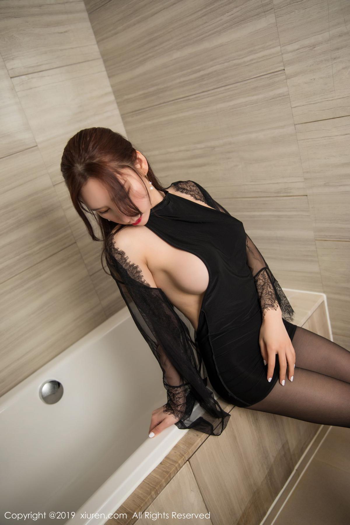 [XiuRen] Vol.1556 Zhou Yu Xi 12P, Bathroom, Black Silk, Tall, Underwear, Xiuren, Zhou Yu Xi