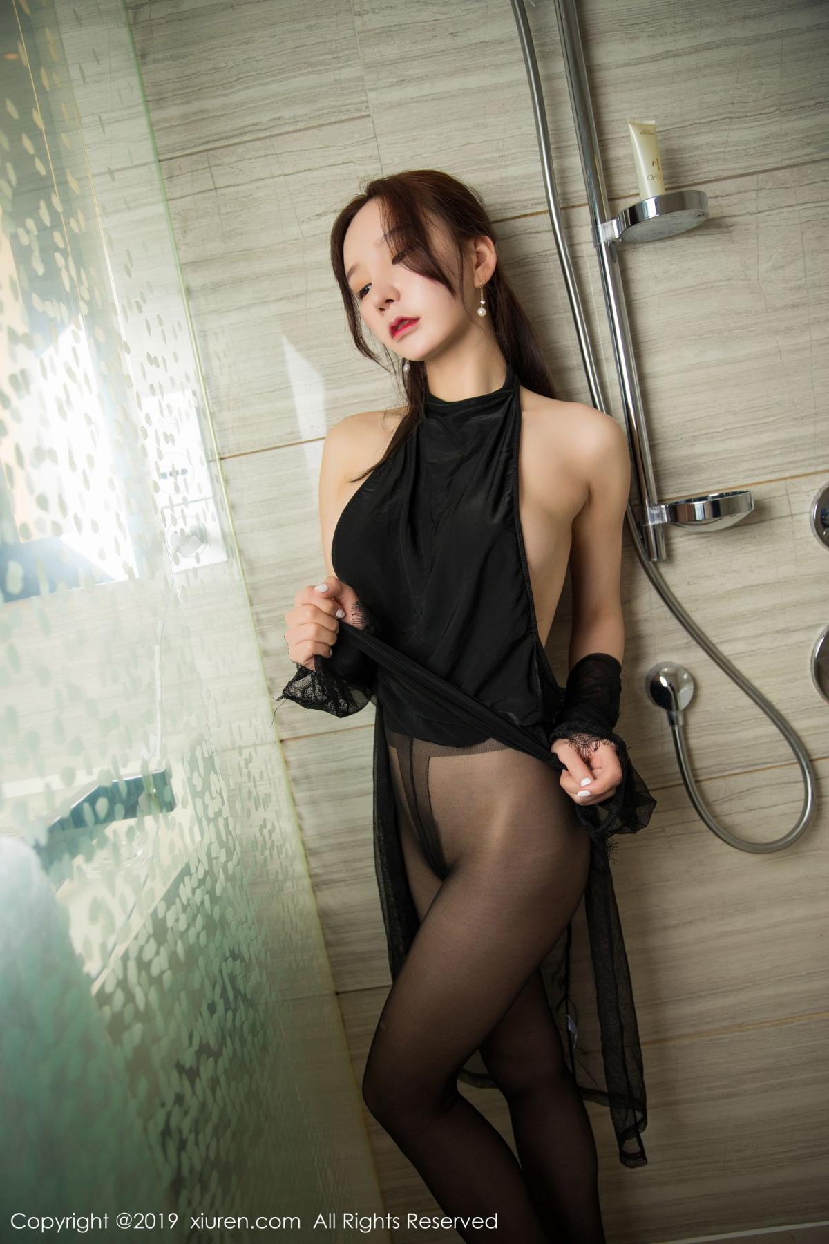 [XiuRen] Vol.1556 Zhou Yu Xi 32P, Bathroom, Black Silk, Tall, Underwear, Xiuren, Zhou Yu Xi