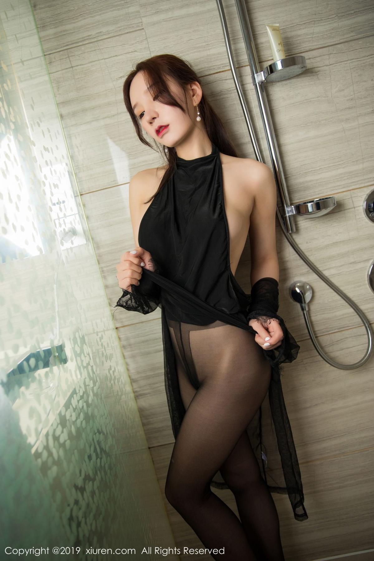 [XiuRen] Vol.1556 Zhou Yu Xi 33P, Bathroom, Black Silk, Tall, Underwear, Xiuren, Zhou Yu Xi