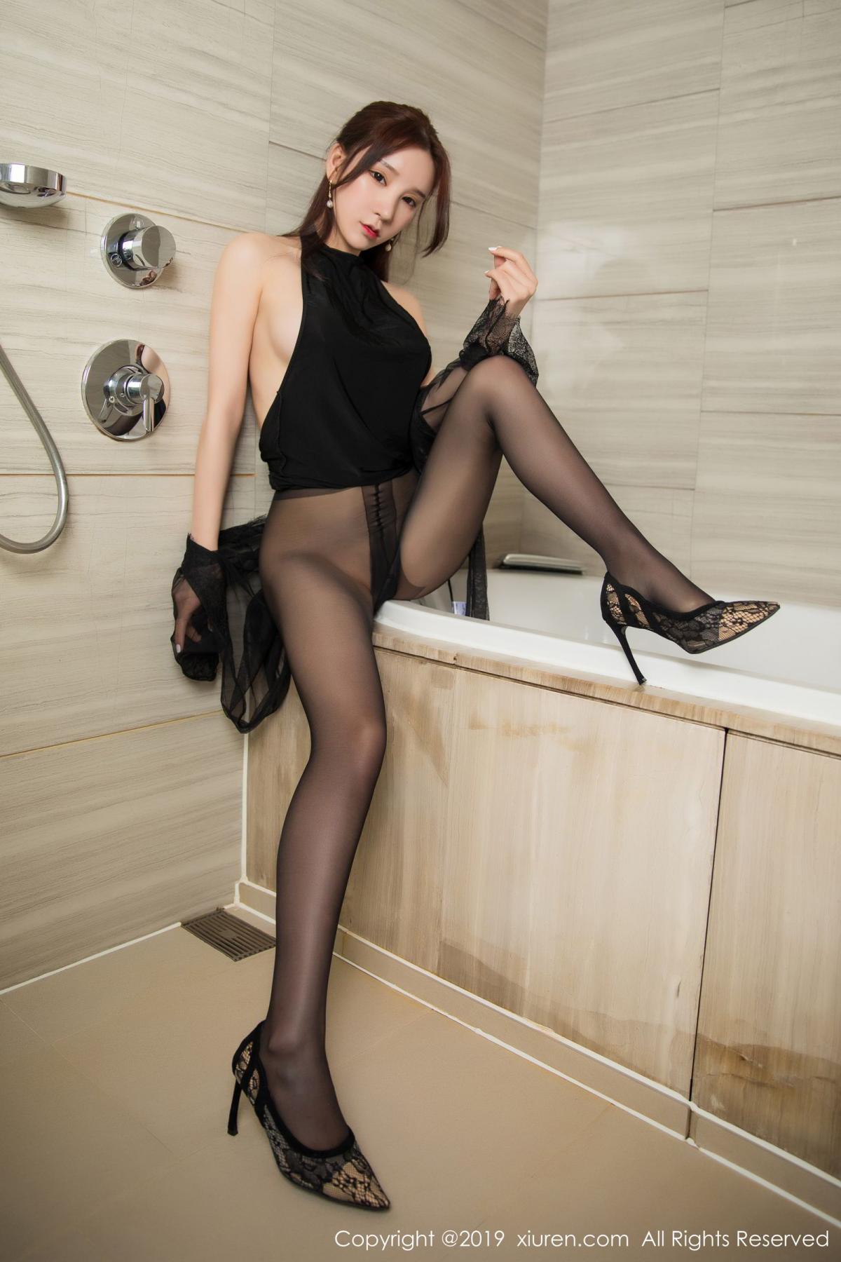 [XiuRen] Vol.1556 Zhou Yu Xi 42P, Bathroom, Black Silk, Tall, Underwear, Xiuren, Zhou Yu Xi