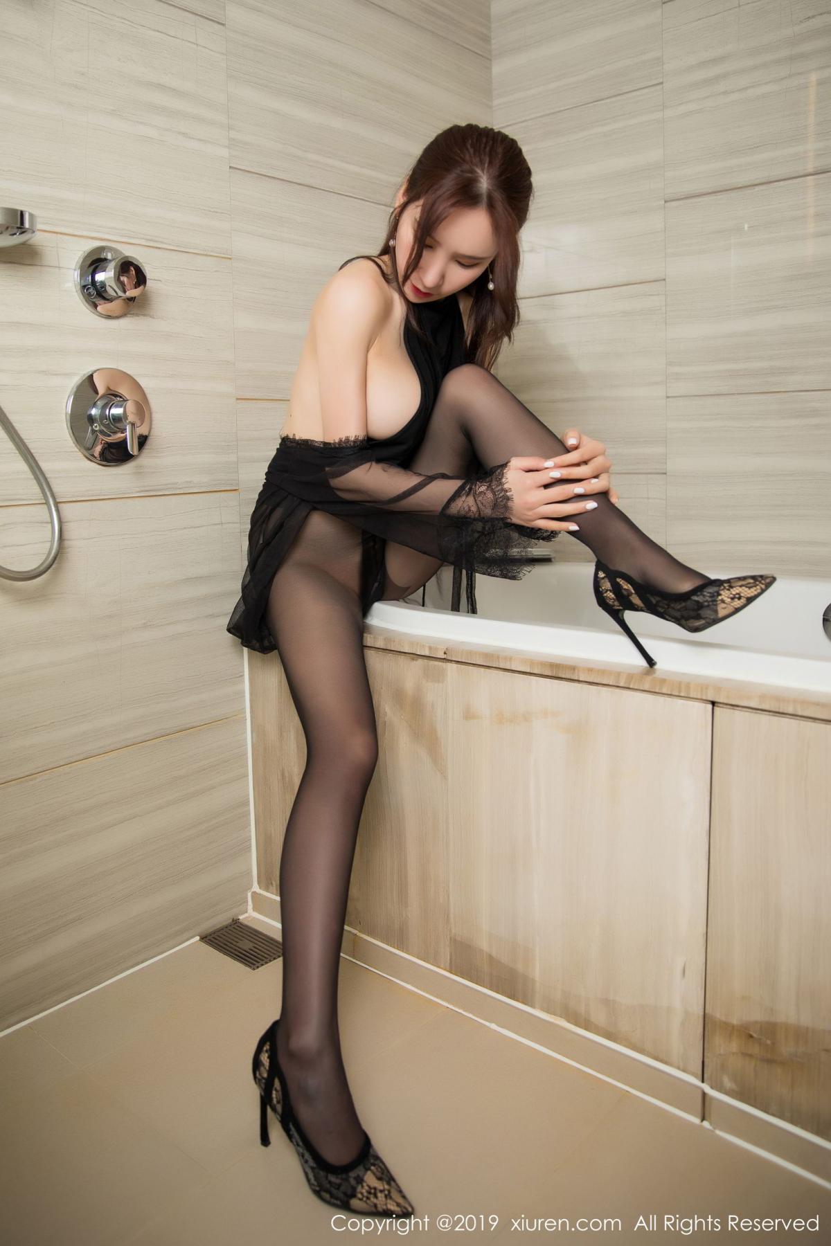 [XiuRen] Vol.1556 Zhou Yu Xi 43P, Bathroom, Black Silk, Tall, Underwear, Xiuren, Zhou Yu Xi