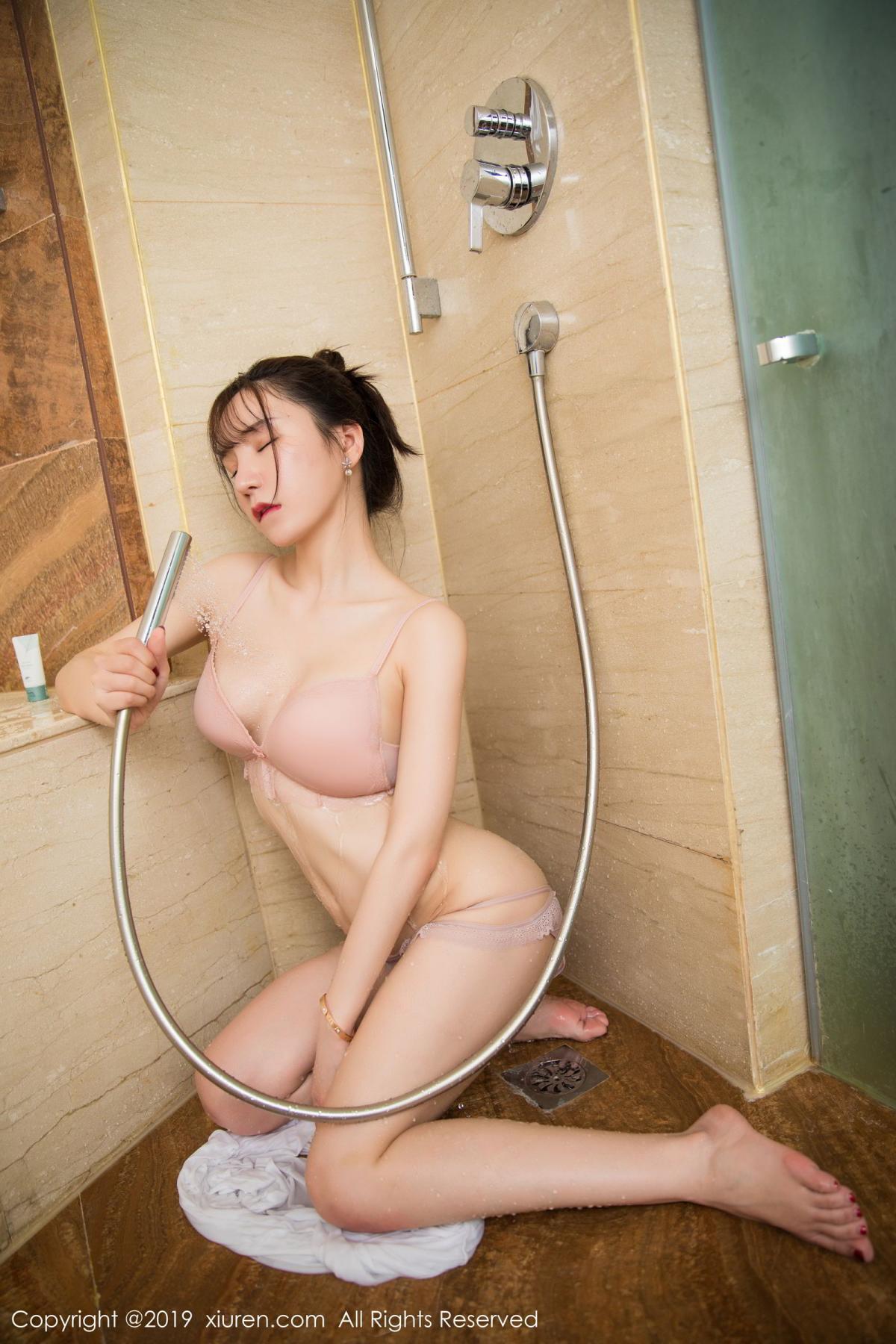 [XiuRen] Vol.1656 Zhou Yu Xi 5P, Bathroom, Underwear, Wet, Xiuren, Zhou Yu Xi