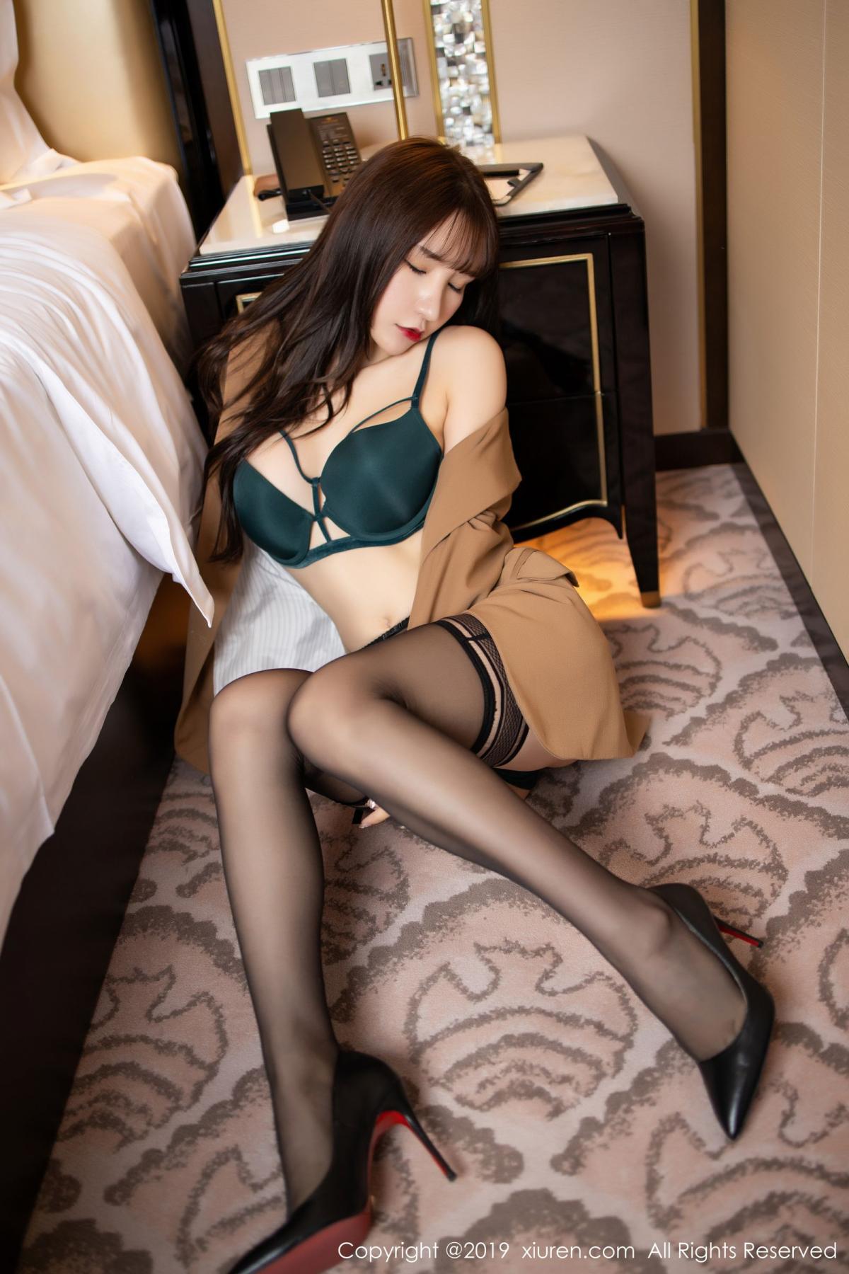 [XiuRen] Vol.1687 Zhou Yu Xi 34P, Black Silk, Underwear, Xiuren, Zhou Yu Xi