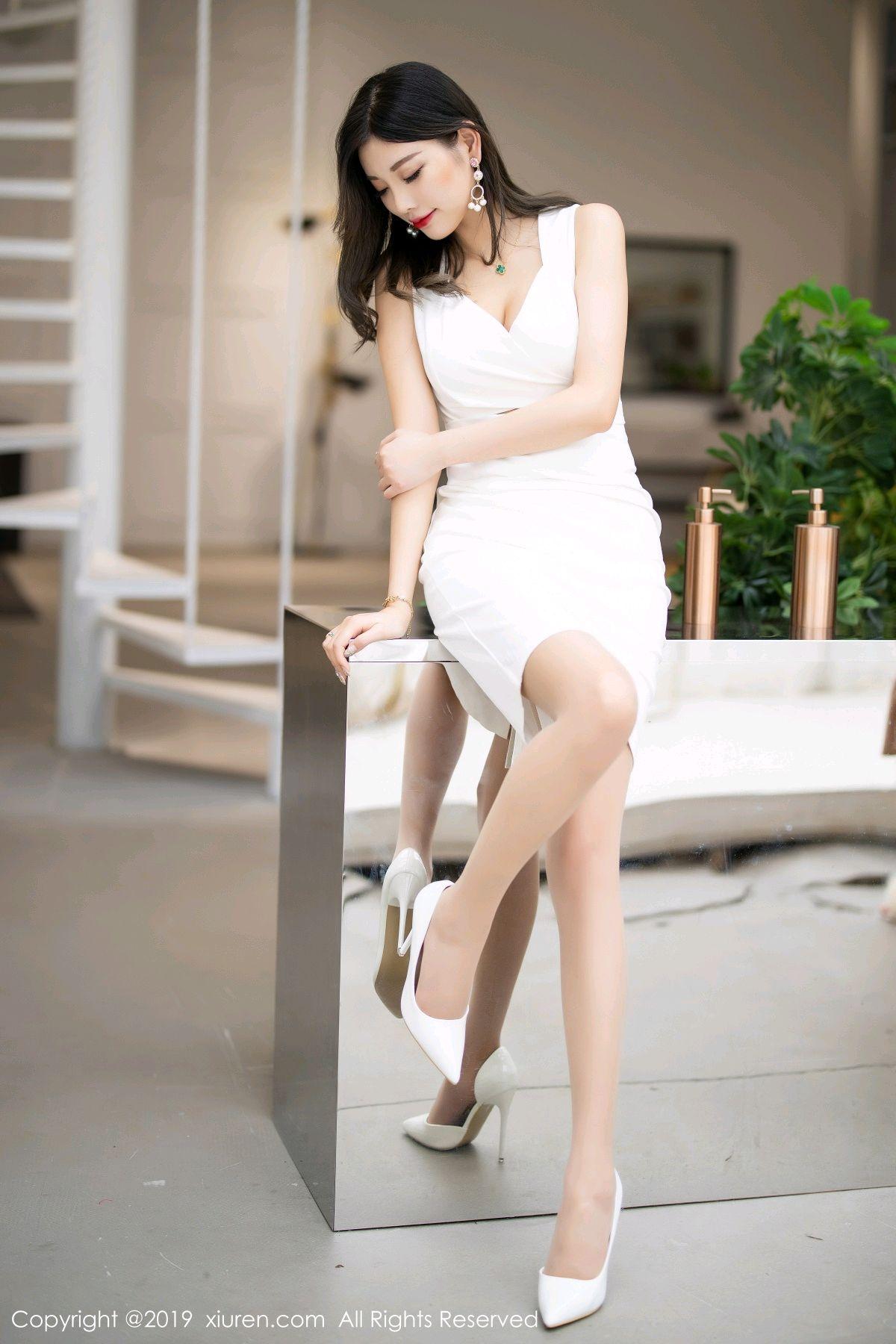 [XiuRen] Vol.1695 Yang Chen Chen 16P, Foot, Tall, Underwear, Xiuren, Yang Chen Chen