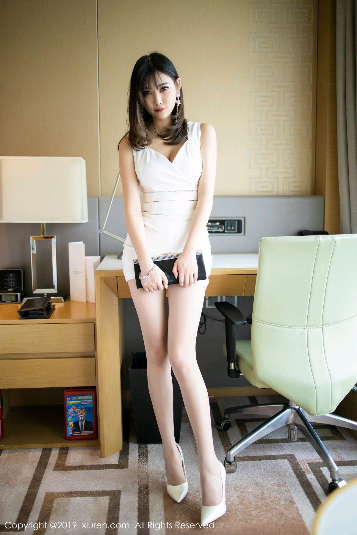 [XiuRen] Vol.1695 Yang Chen Chen 17P, Foot, Tall, Underwear, Xiuren, Yang Chen Chen