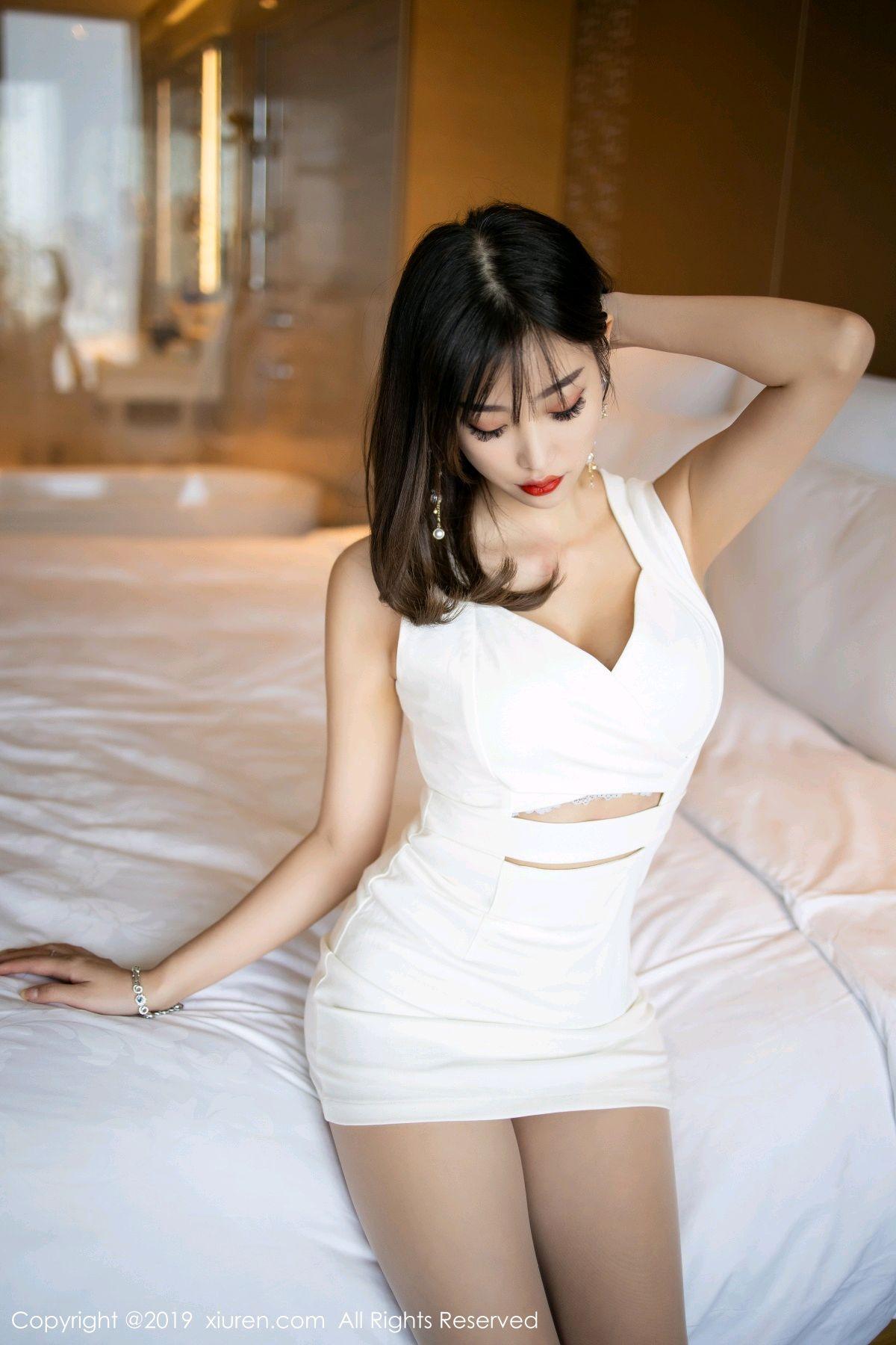 [XiuRen] Vol.1695 Yang Chen Chen 32P, Foot, Tall, Underwear, Xiuren, Yang Chen Chen