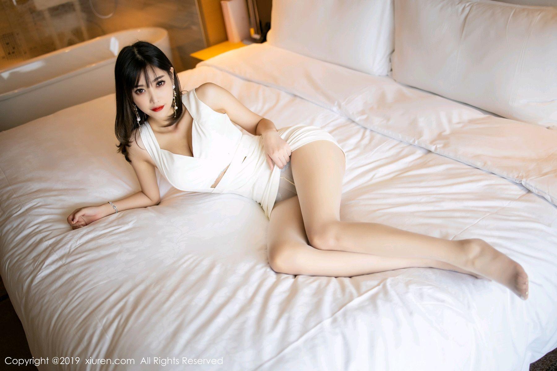 [XiuRen] Vol.1695 Yang Chen Chen 43P, Foot, Tall, Underwear, Xiuren, Yang Chen Chen