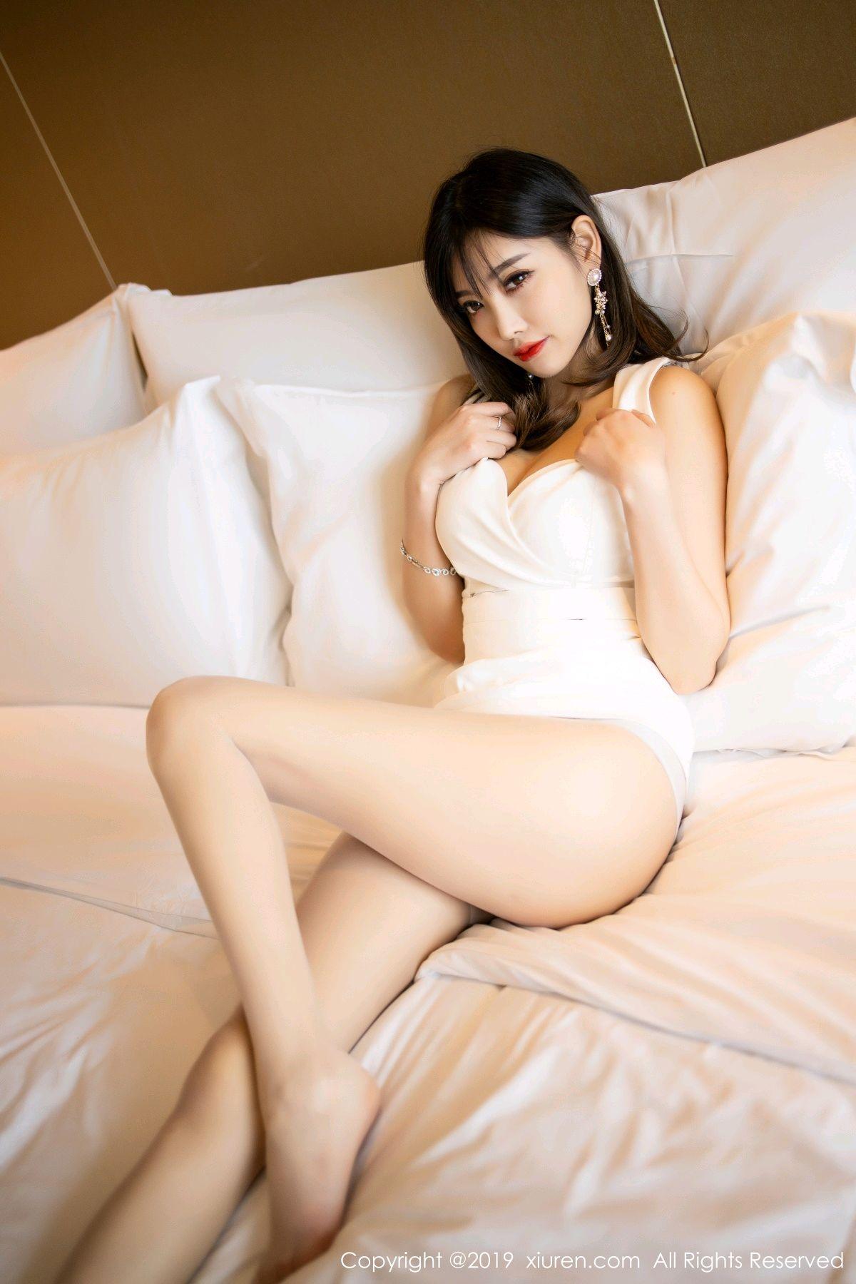 [XiuRen] Vol.1695 Yang Chen Chen 44P, Foot, Tall, Underwear, Xiuren, Yang Chen Chen