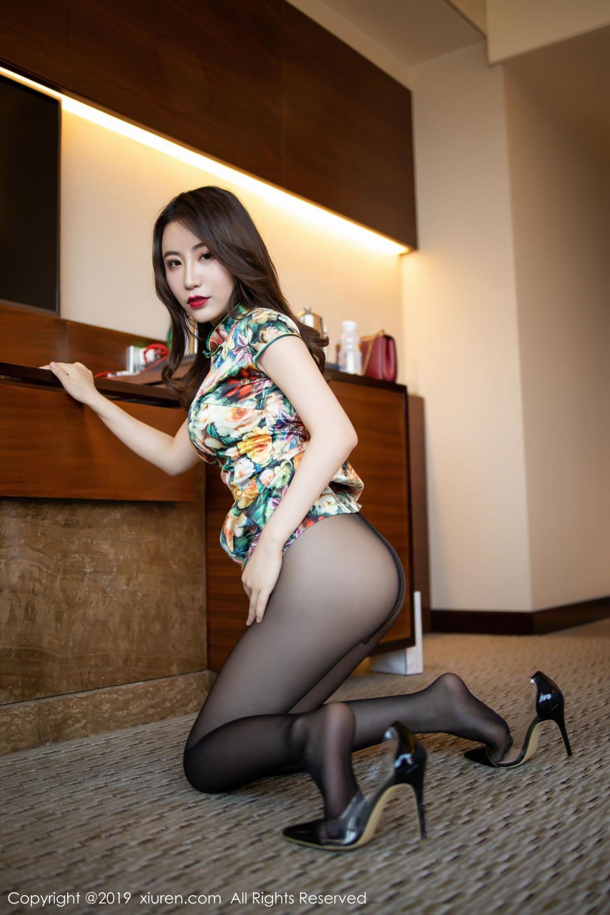 [XiuRen] Vol.1727 Xie Zhi Xin 28P, Big Booty, Black Silk, Cheongsam, Xie Zhi Xin, Xiuren