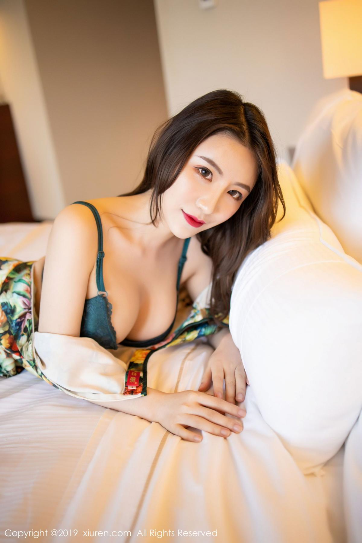 [XiuRen] Vol.1727 Xie Zhi Xin 65P, Big Booty, Black Silk, Cheongsam, Xie Zhi Xin, Xiuren