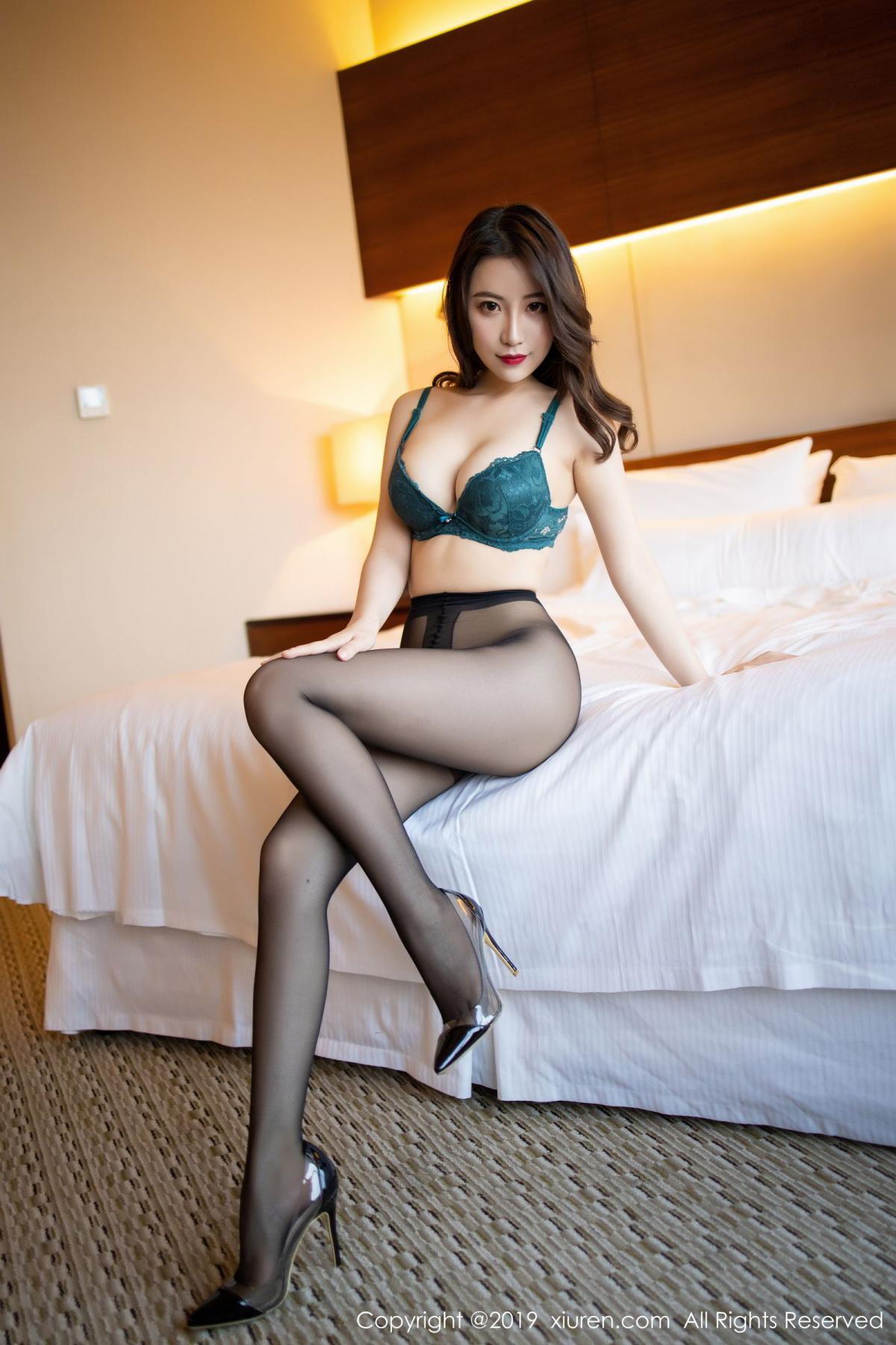 [XiuRen] Vol.1727 Xie Zhi Xin 74P, Big Booty, Black Silk, Cheongsam, Xie Zhi Xin, Xiuren