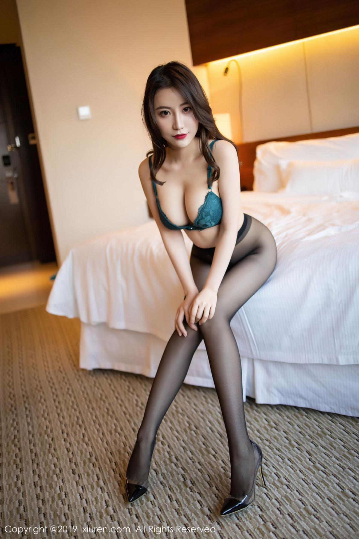 [XiuRen] Vol.1727 Xie Zhi Xin 75P, Big Booty, Black Silk, Cheongsam, Xie Zhi Xin, Xiuren