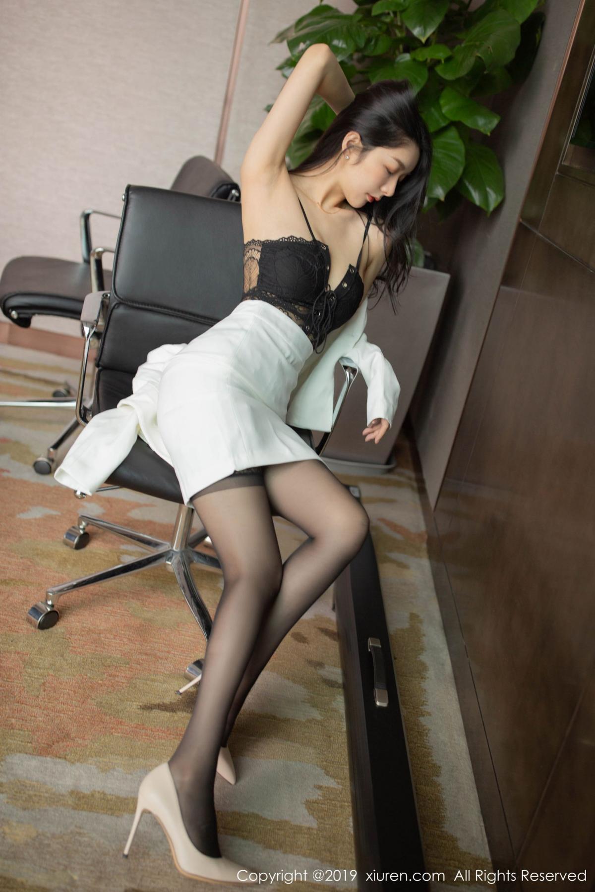 [XiuRen] Vol.1821 Come to my room and sit after you get off work 12P, Black Silk, Di Yi, Xiuren