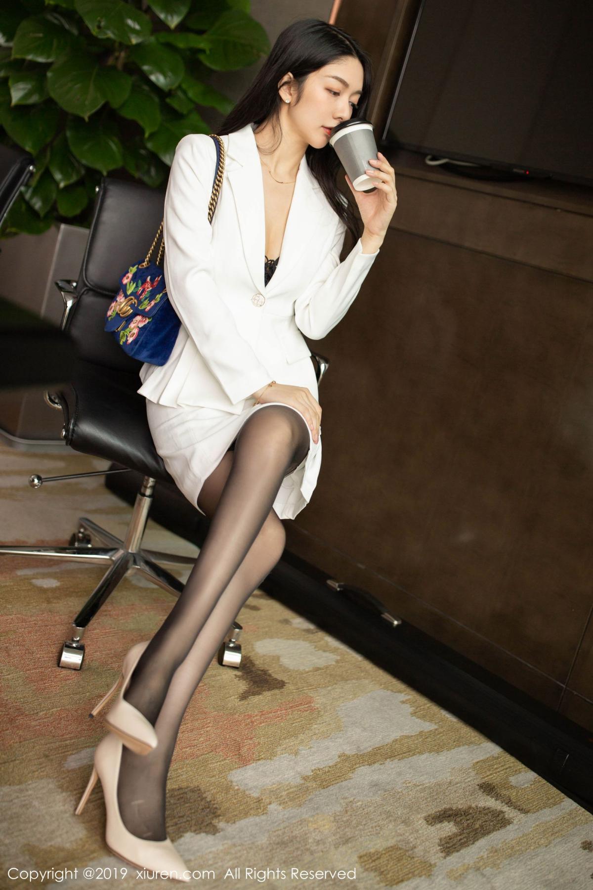 [XiuRen] Vol.1821 Come to my room and sit after you get off work 1P, Black Silk, Di Yi, Xiuren