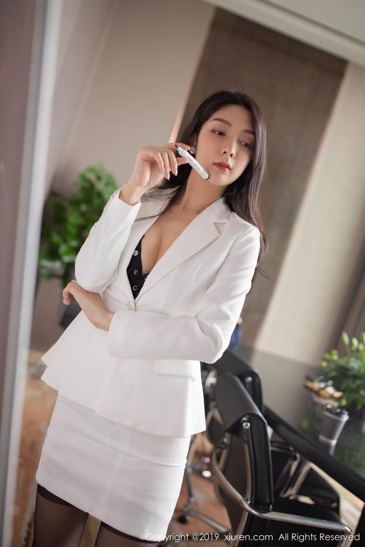 [XiuRen] Vol.1821 Come to my room and sit after you get off work 21P, Black Silk, Di Yi, Xiuren