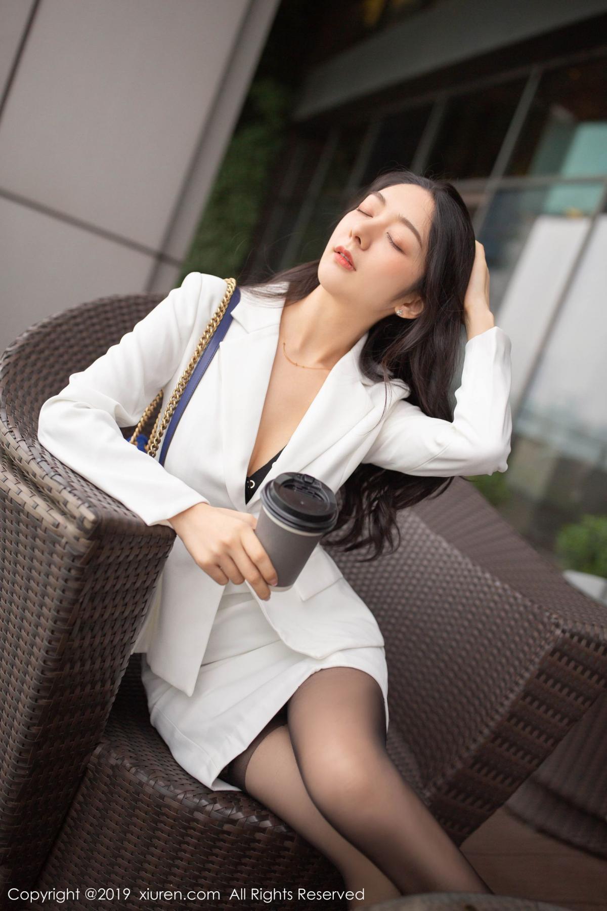 [XiuRen] Vol.1821 Come to my room and sit after you get off work 23P, Black Silk, Di Yi, Xiuren