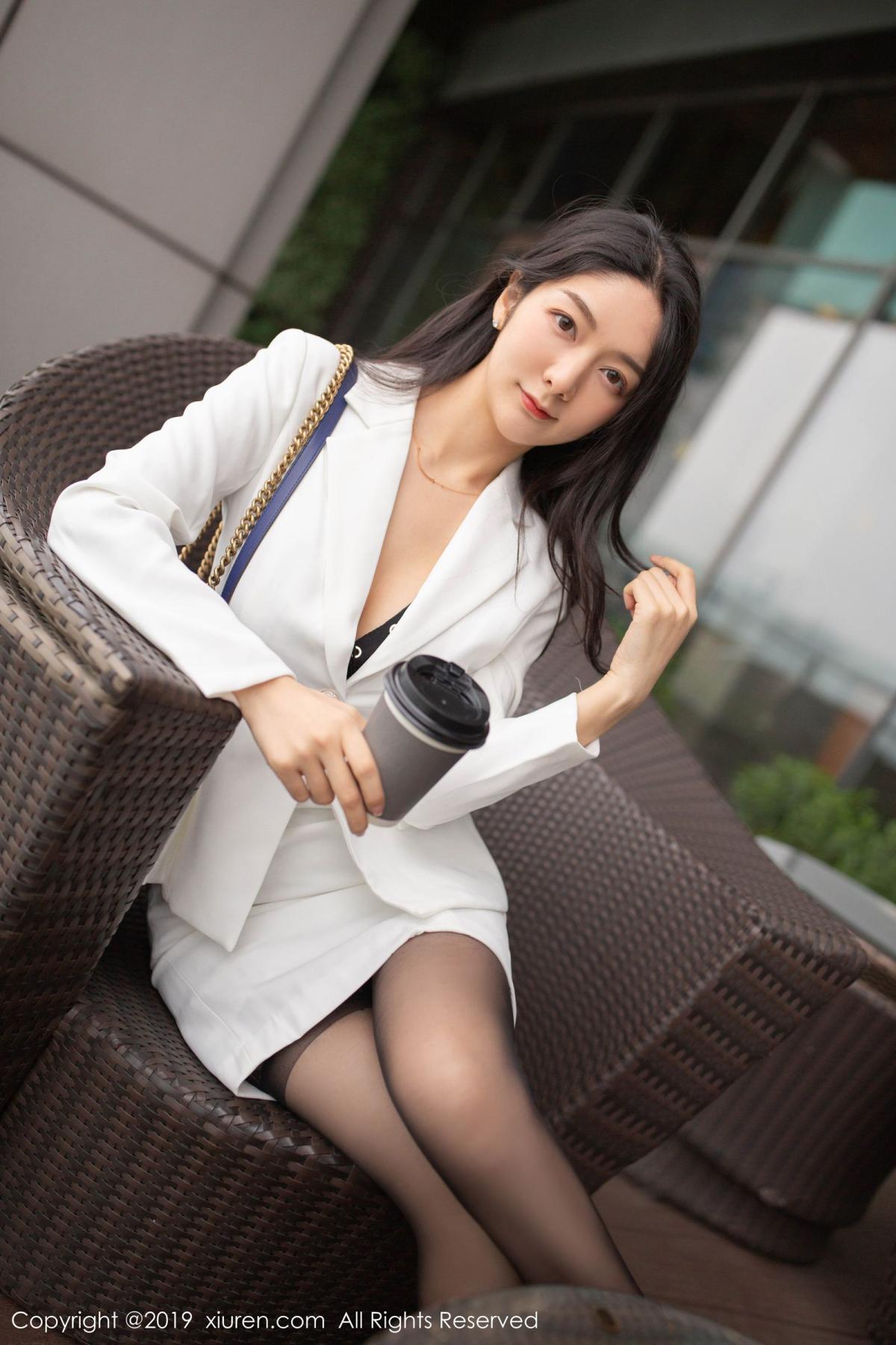 [XiuRen] Vol.1821 Come to my room and sit after you get off work 24P, Black Silk, Di Yi, Xiuren