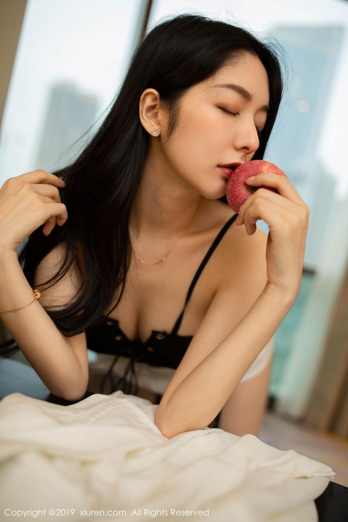 [XiuRen] Vol.1821 Come to my room and sit after you get off work 40P, Black Silk, Di Yi, Xiuren