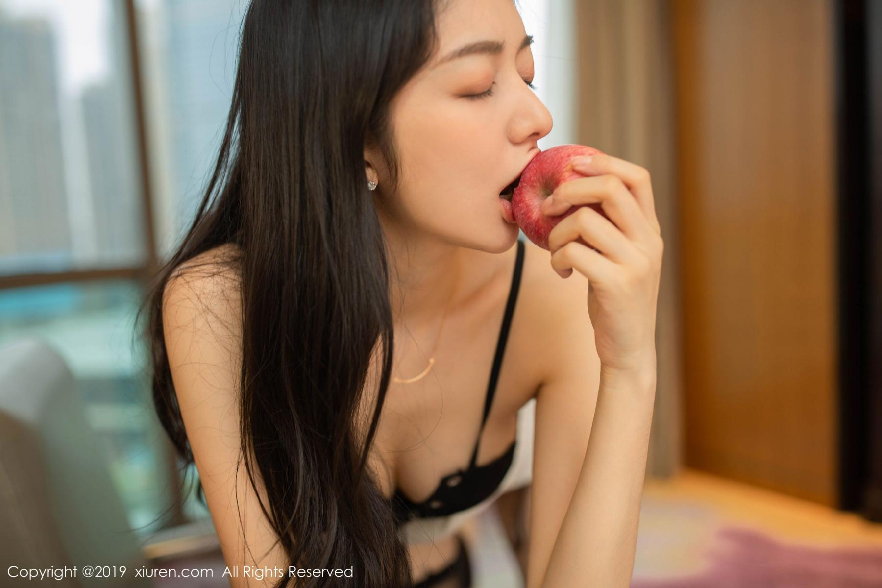[XiuRen] Vol.1821 Come to my room and sit after you get off work 42P, Black Silk, Di Yi, Xiuren