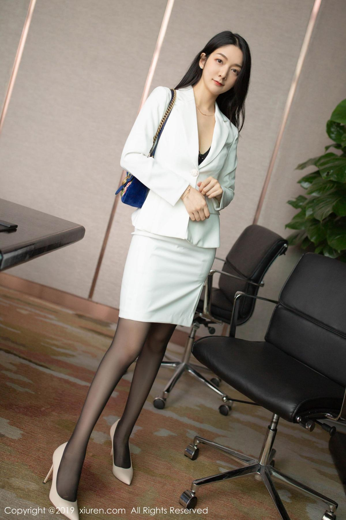 [XiuRen] Vol.1821 Come to my room and sit after you get off work 7P, Black Silk, Di Yi, Xiuren