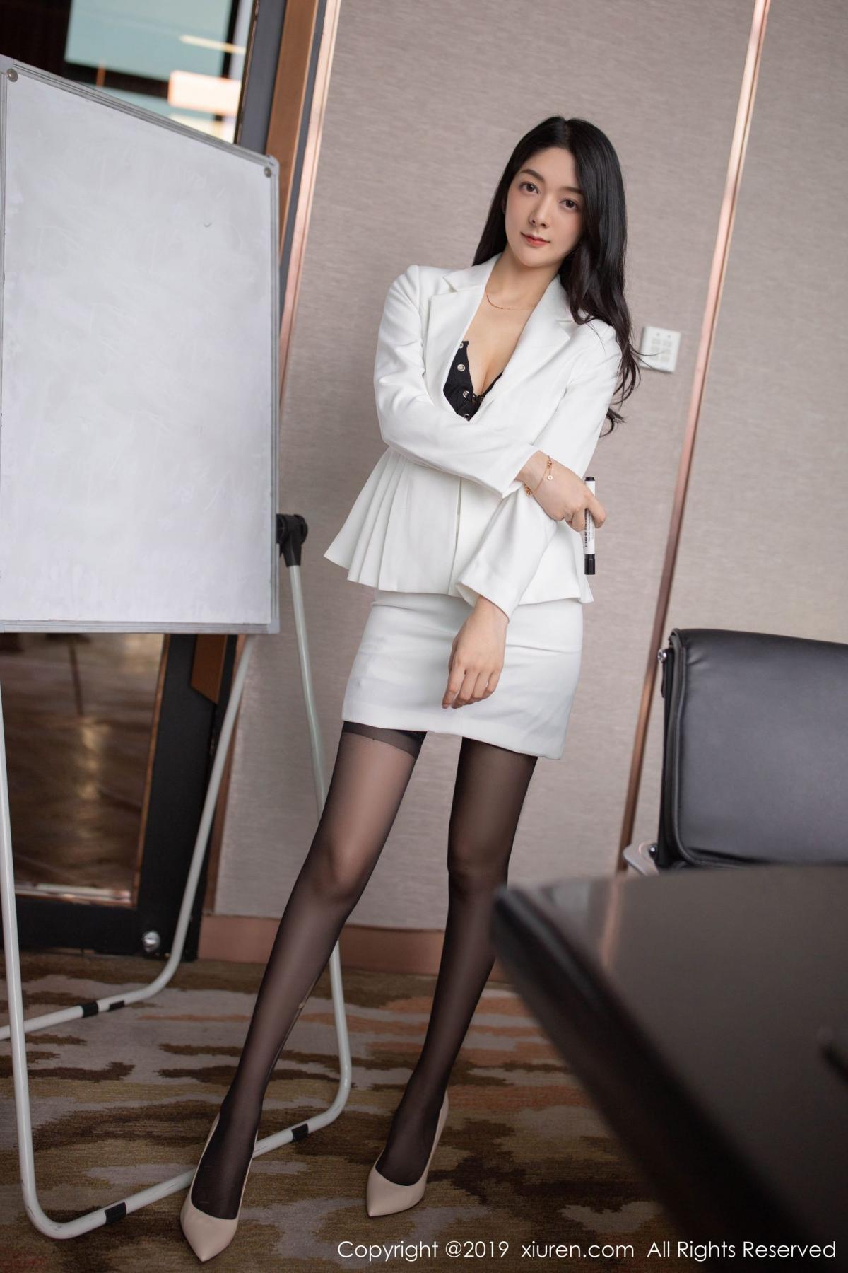 [XiuRen] Vol.1821 Come to my room and sit after you get off work 8P, Black Silk, Di Yi, Xiuren