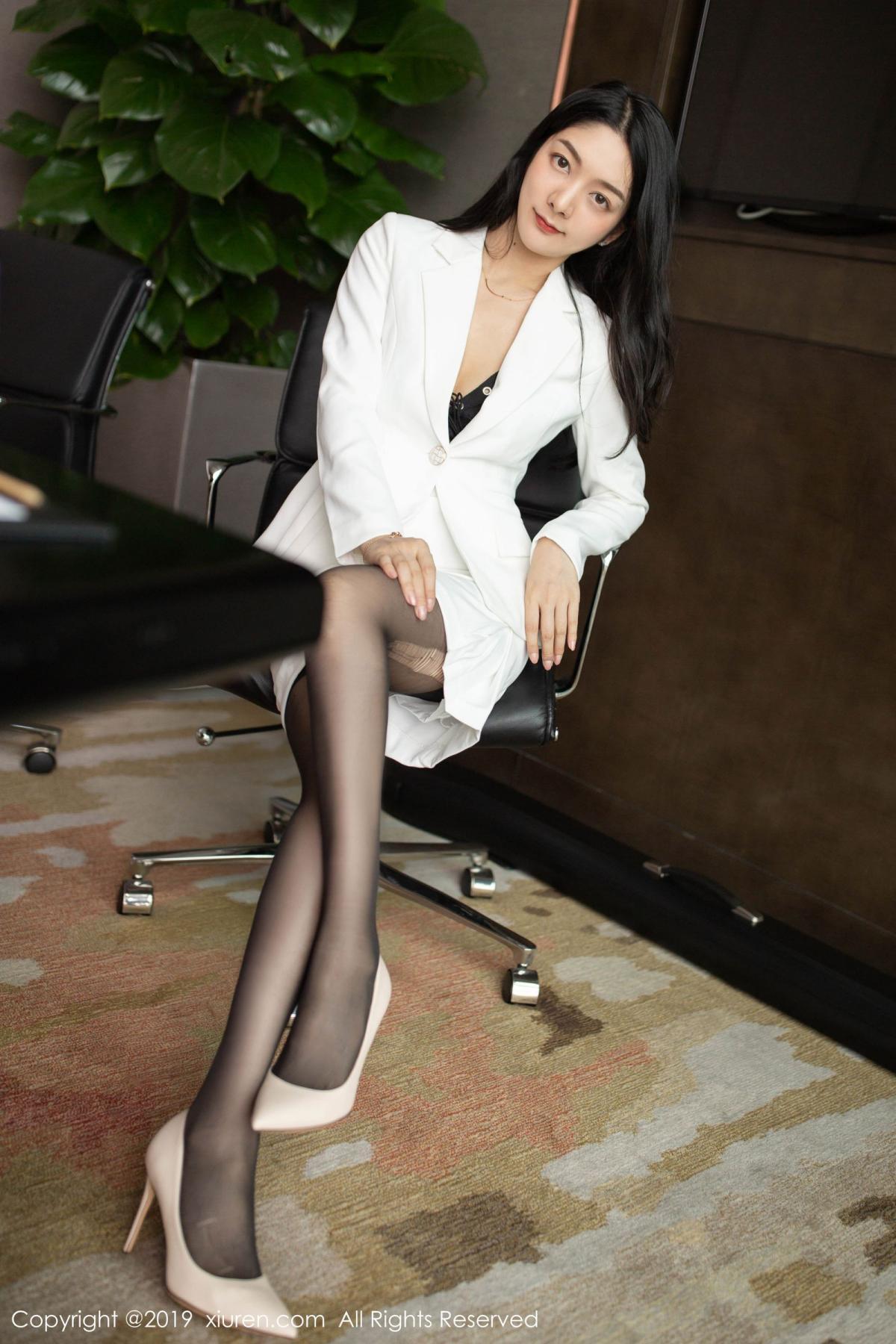 [XiuRen] Vol.1821 Come to my room and sit after you get off work 9P, Black Silk, Di Yi, Xiuren