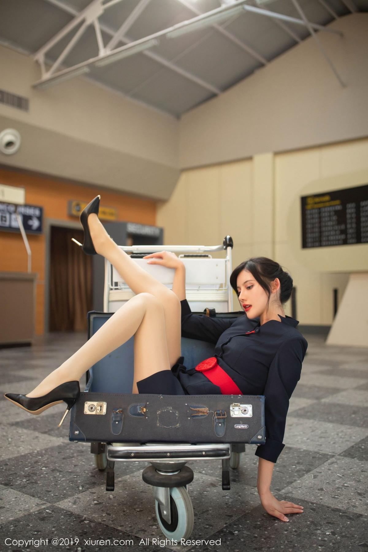 [XiuRen] Vol.1881 Jiu Shi A Zhu 14P, Black Silk, Jiu Shi A Zhu, Stewardess, Uniform, Xiuren