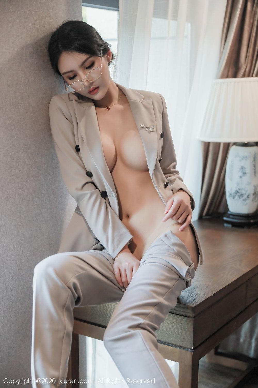 [XiuRen] Vol.2098 Solo Yi Fei 2P, Solo Yi Fei, Uniform, Xiuren