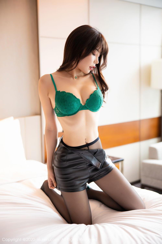 [XiuRen] Vol.2133 Zhi Zhi Booty 26P, Black Silk, Chen Zhi, Underwear, Xiuren