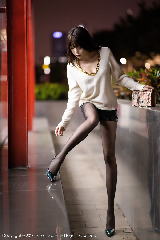 [XiuRen] Vol.2133 Zhi Zhi Booty 2P, Black Silk, Chen Zhi, Underwear, Xiuren