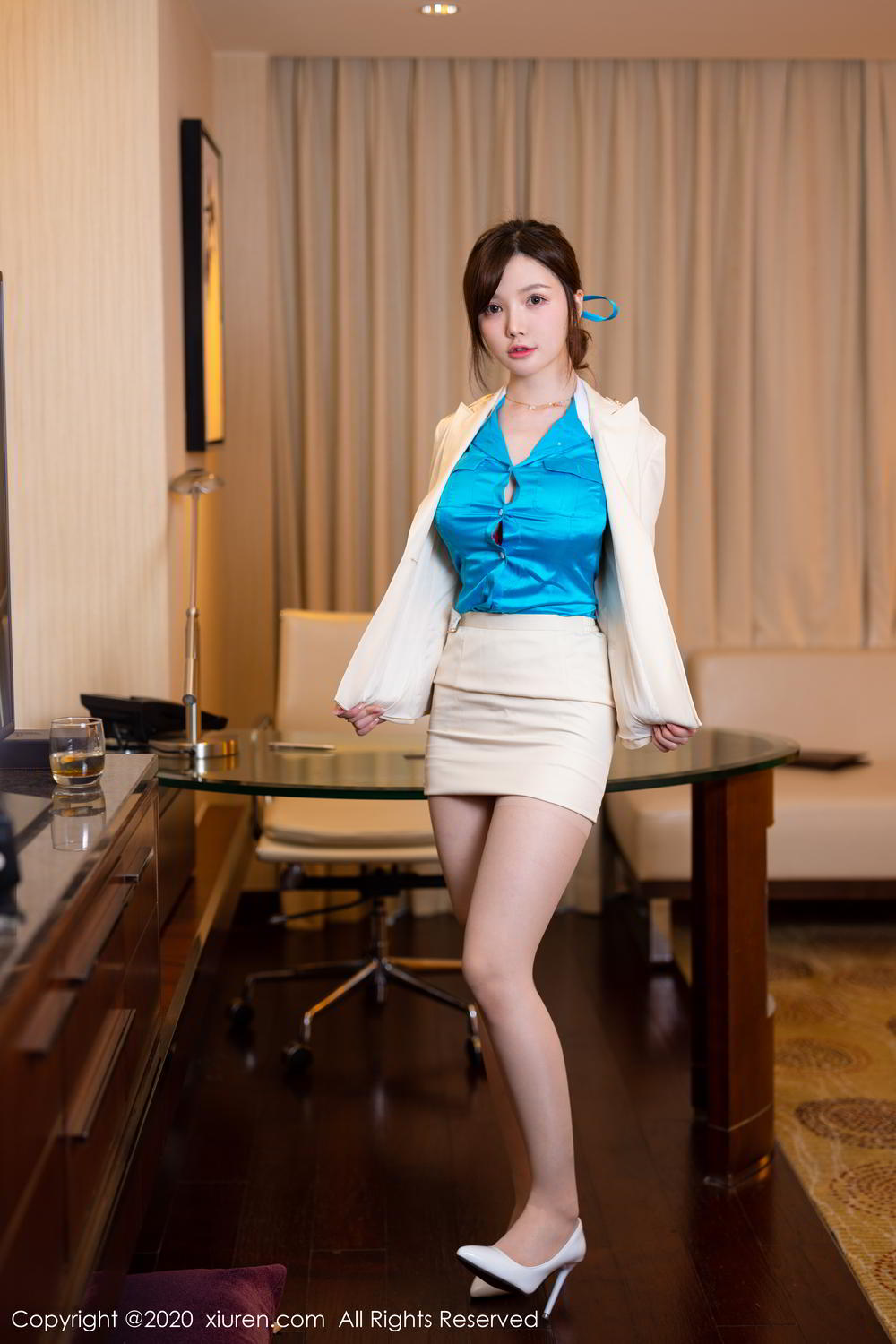[XiuRen] Vol.2255 Nuo Mei Zi 12P, Mini Da Meng Meng, Stewardess, Underwear, Uniform, Xiuren
