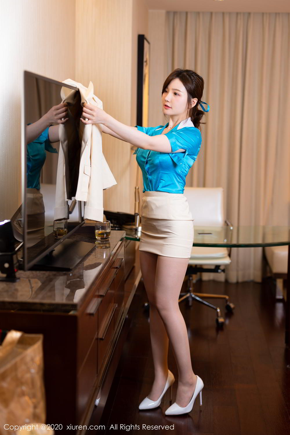 [XiuRen] Vol.2255 Nuo Mei Zi 36P, Mini Da Meng Meng, Stewardess, Underwear, Uniform, Xiuren