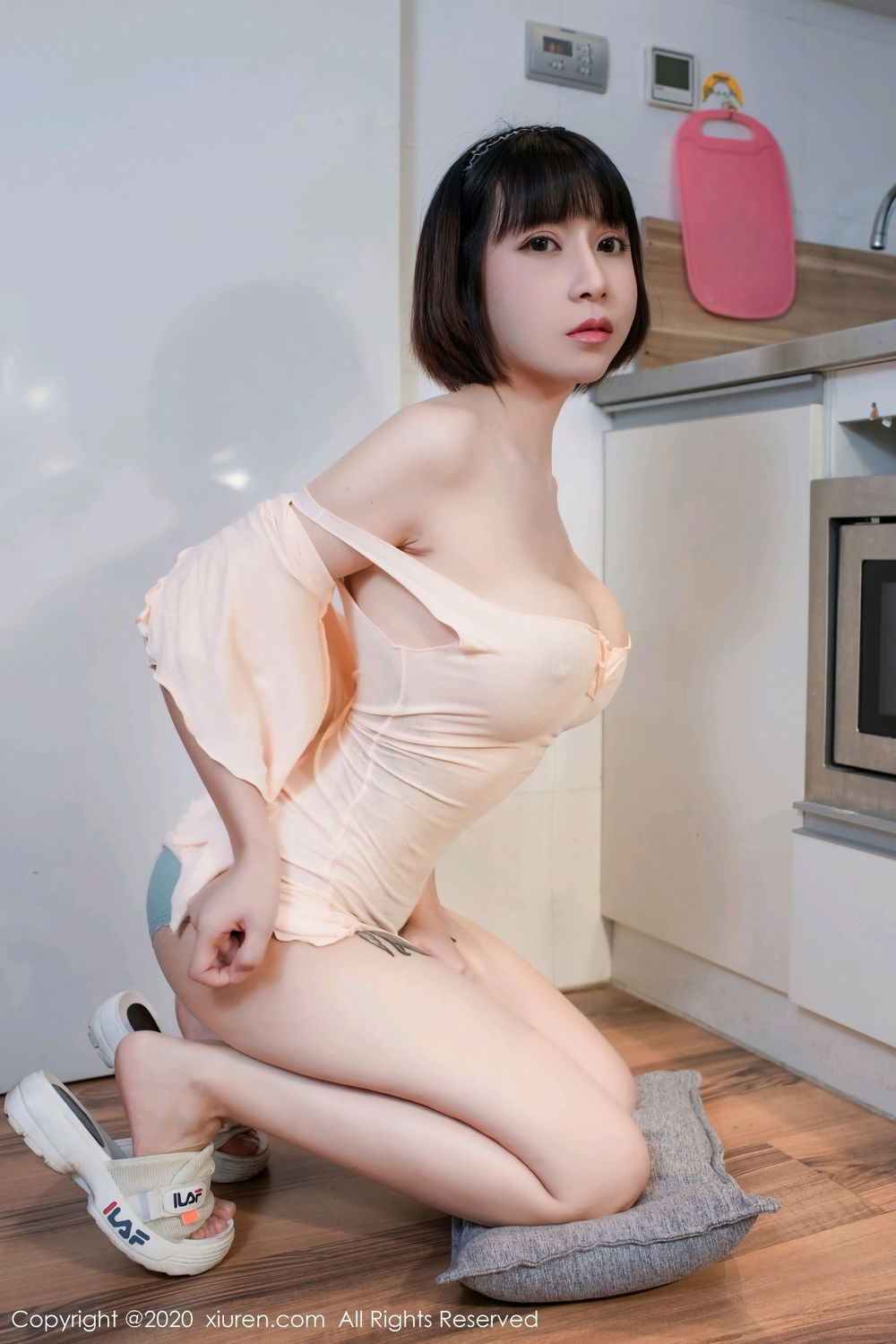 [XiuRen] Vol.2318 An Ni Si Duo La 49P, An Ni Si Duo La, Black Silk, Cheongsam, Xiuren