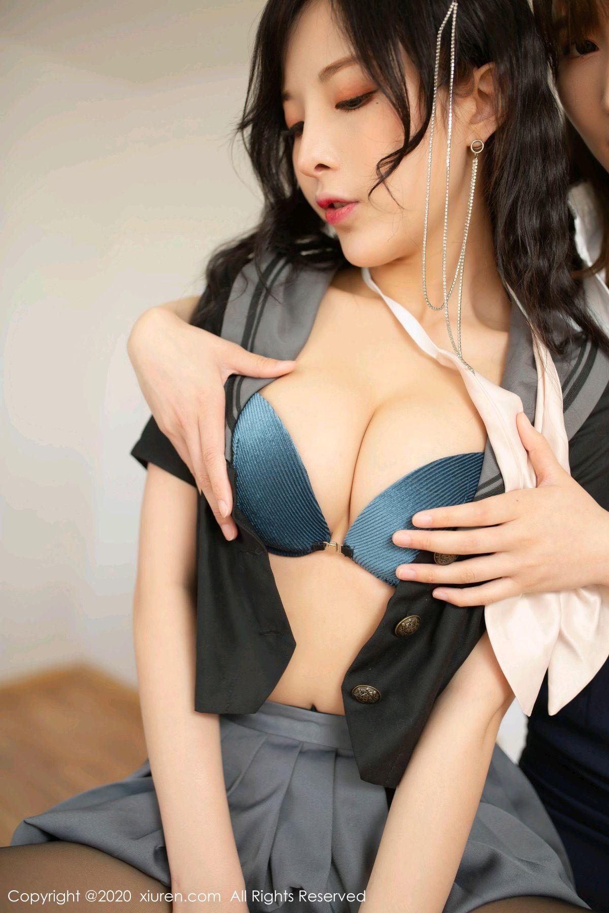 [XiuRen] Vol.2420 Chen Xiao Miao and Lu Xuan Xuan 38P, Chen Xiao Miao, Lu Xuan Xuan, School Uniform, Sisters, Xiuren