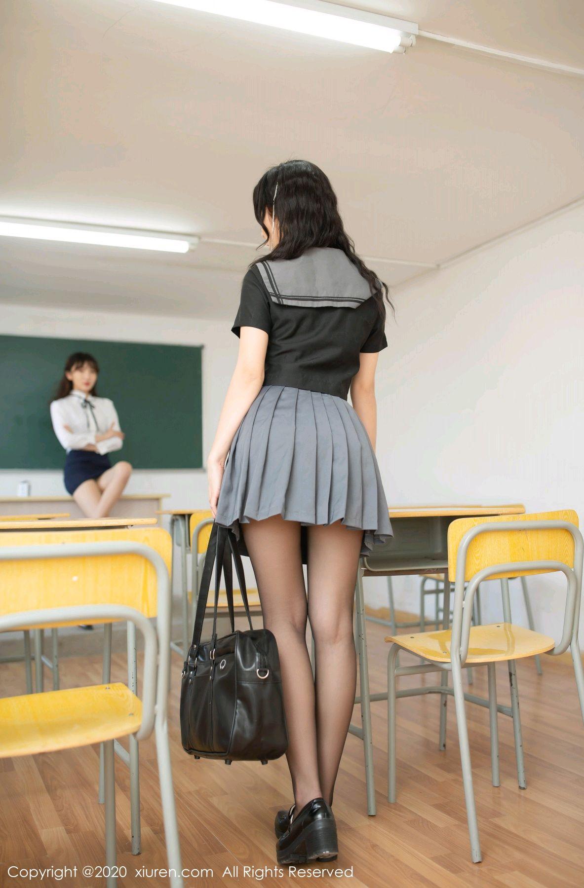 [XiuRen] Vol.2420 Chen Xiao Miao and Lu Xuan Xuan 4P, Chen Xiao Miao, Lu Xuan Xuan, School Uniform, Sisters, Xiuren