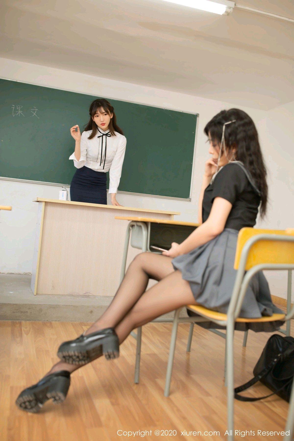 [XiuRen] Vol.2420 Chen Xiao Miao and Lu Xuan Xuan 6P, Chen Xiao Miao, Lu Xuan Xuan, School Uniform, Sisters, Xiuren