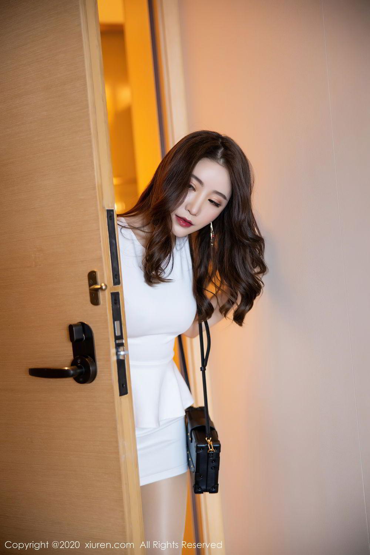 [XiuRen] Vol.2441 Fei Yue Ying 2P, Big Booty, Underwear, Xie Zhi Xin, Xiuren