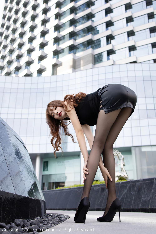 [XiuRen] Vol.2445 Zhi Zhi Booty 21P, Black Silk, Chen Zhi, Sexy, Street, Xiuren