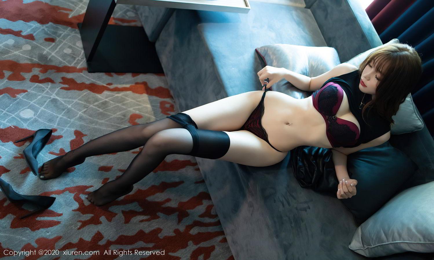 [XiuRen] Vol.2445 Zhi Zhi Booty 33P, Black Silk, Chen Zhi, Sexy, Street, Xiuren