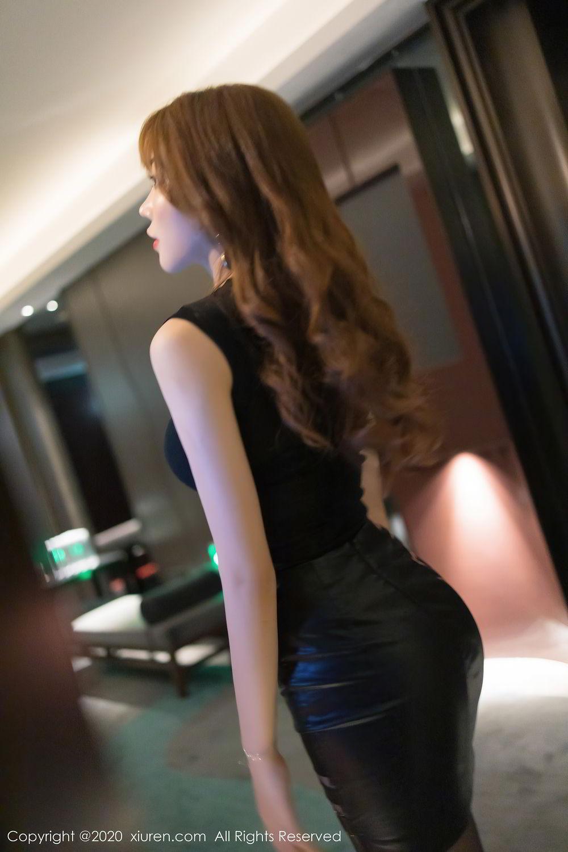 [XiuRen] Vol.2445 Zhi Zhi Booty 3P, Black Silk, Chen Zhi, Sexy, Street, Xiuren